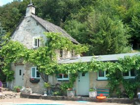 Dog Friendly Cottage in Gloucestershire | Pet Friendly Holiday Finder